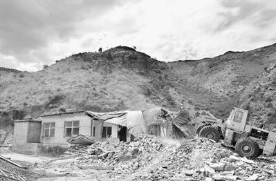 贺兰山保护区叫停工矿企业 半年前曾被公开约谈